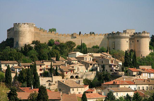 640px-2012_Villeneuve-lès-Avignon_04